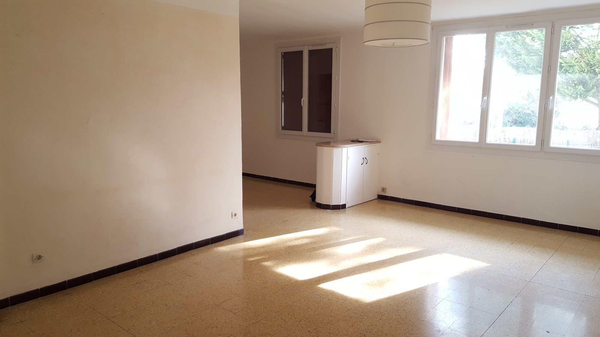 A vendre appartement t3 de en rdc sureleve avec 2 for Vente appartement rdc