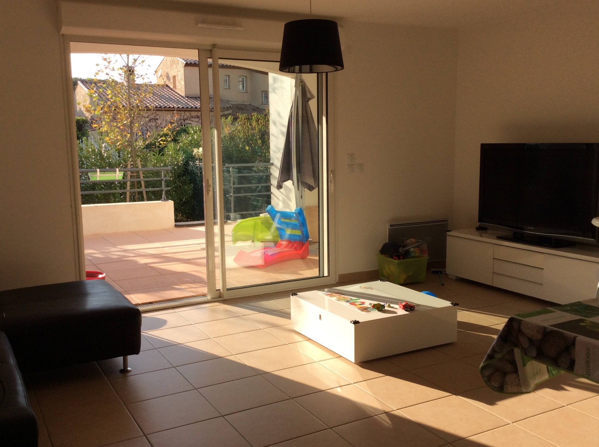 Deja loue bel appartement recent t3 en rez de jardin 13190 for Site de location appartement