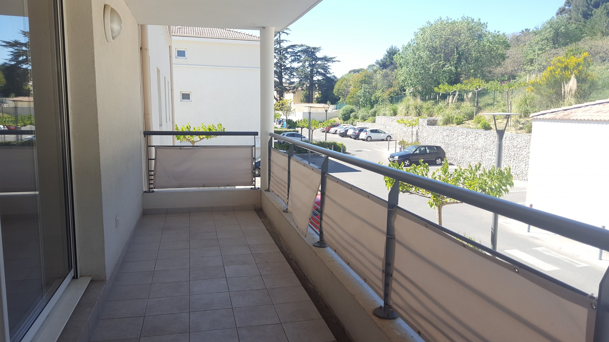 Deja loue appartement t2 de 4050m2 terrasse de 13m2 for T2 marseille terrasse